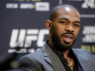 Hviezda UFC má ďalší problém. Nepoučiteľného Jonesa opäť zatkli