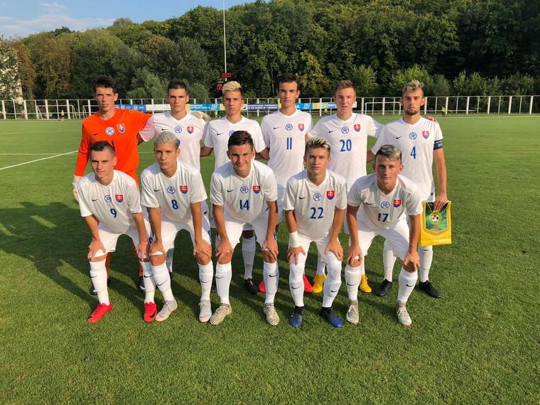 31f4c29c1f77d KYJEV (SFZ) – Slovenská reprezentácia do 17 rokov vyhrala v treťom dueli v  skupine na Bannikovovom memoriáli v Kyjeve nad Litvo 3:0.
