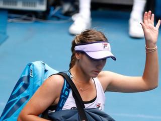 Keninová neobháji titul na Australian Open, postúpili Bartyová i Plíšková