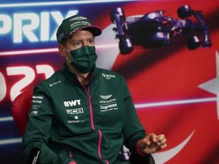 Nechce sa motorizmu obrátiť chrbtom. Formula 1 môže zaniknúť, varuje Vettel