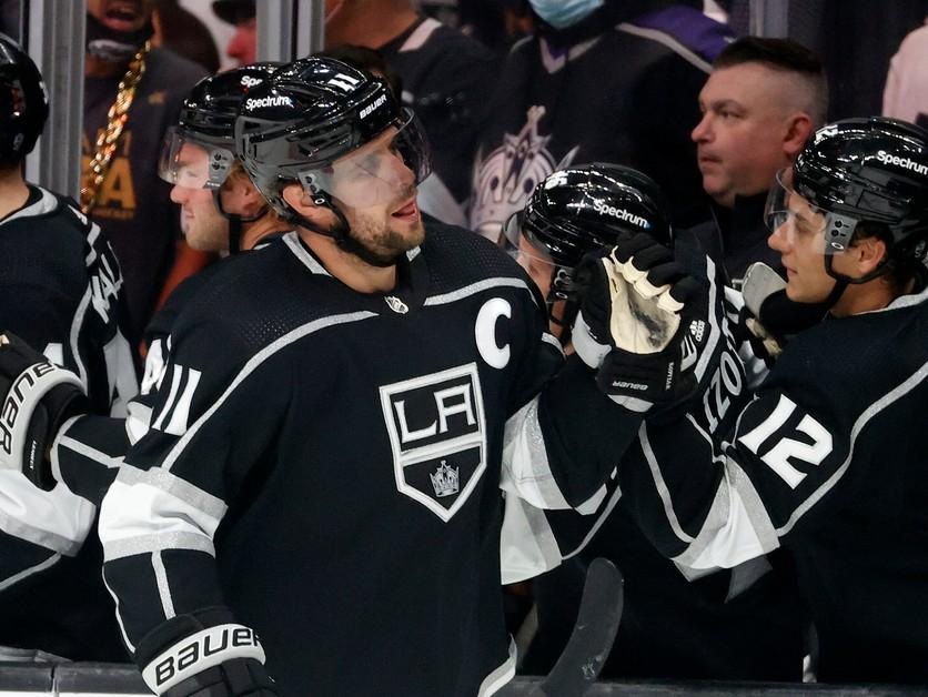 Hviezdami úvodného týždňa NHL sa stali známe mená. Zaujal najmä Kopitar