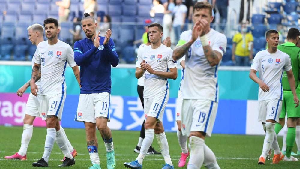 Španieli zamotali skupinu. Aký výsledok potrebujú Slováci na postup?