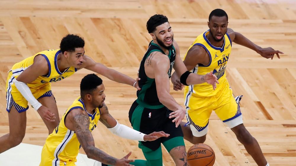 Hráč NBA nebude môcť nastúpiť na domáce zápasy. Odmieta očkovanie