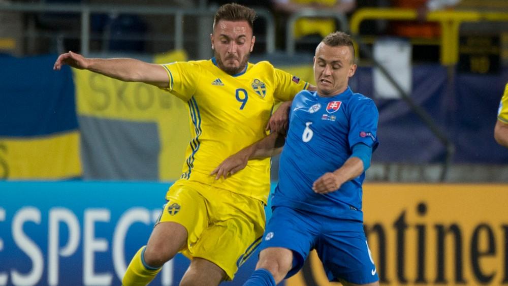 Slovensko - Švédsko 5:1. Bilanciu mohol upraviť stopér Manchestru United