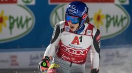Petra Vlhová a priebežné poradia v sezóne 2021/2022 (Svetový pohár v zjazdovom lyžovaní)