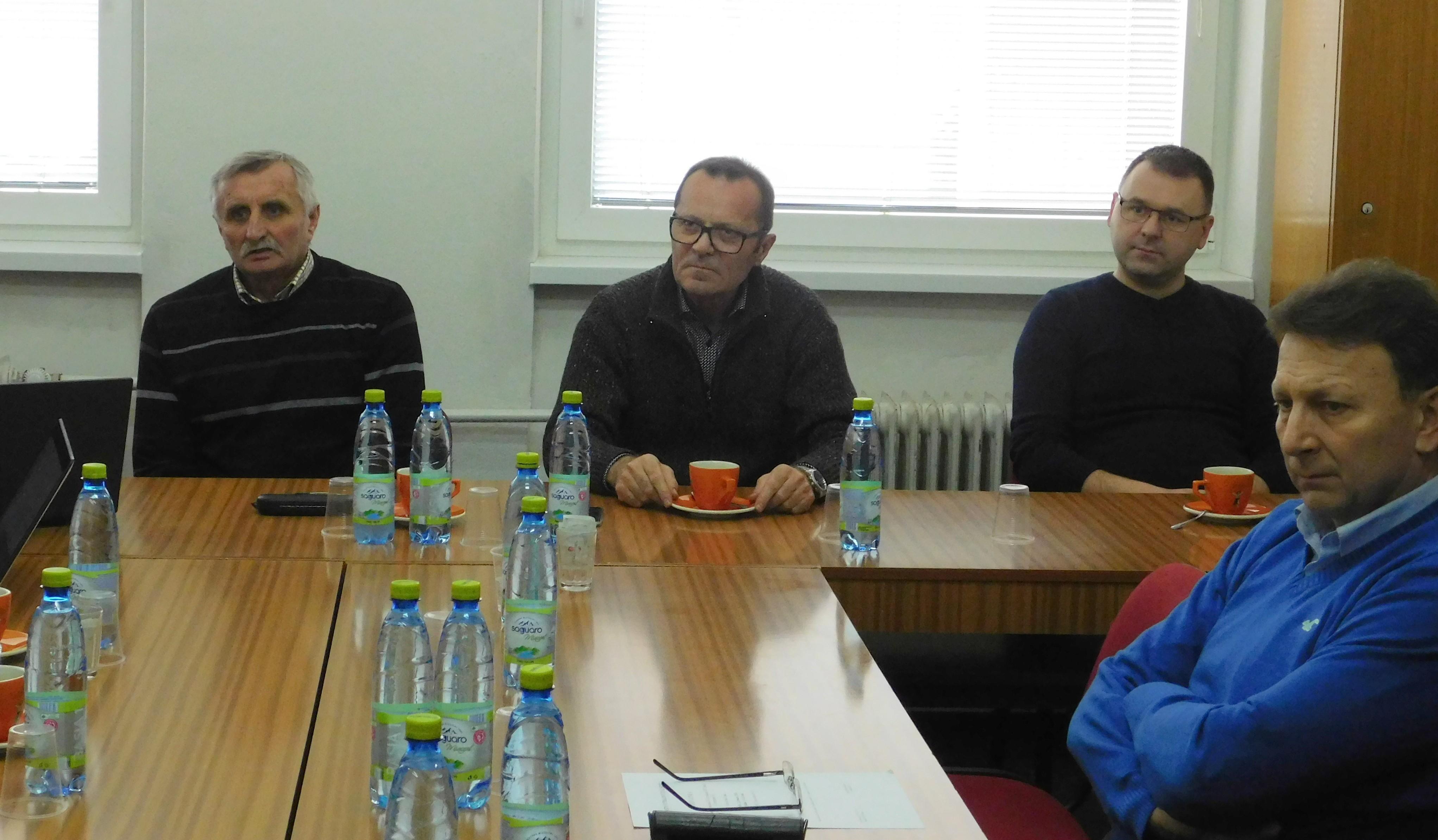 Ladislav Gádoši si vypočul problémy V. ligy Západ