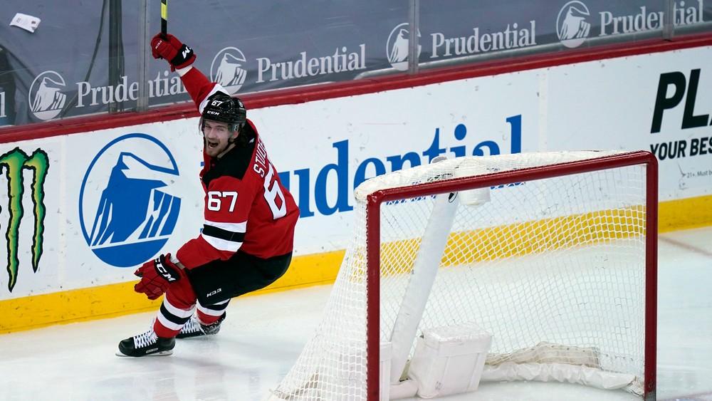 Studenič a Húska dostali od klubov NHL kvalifikované ponuky na nové kontrakty