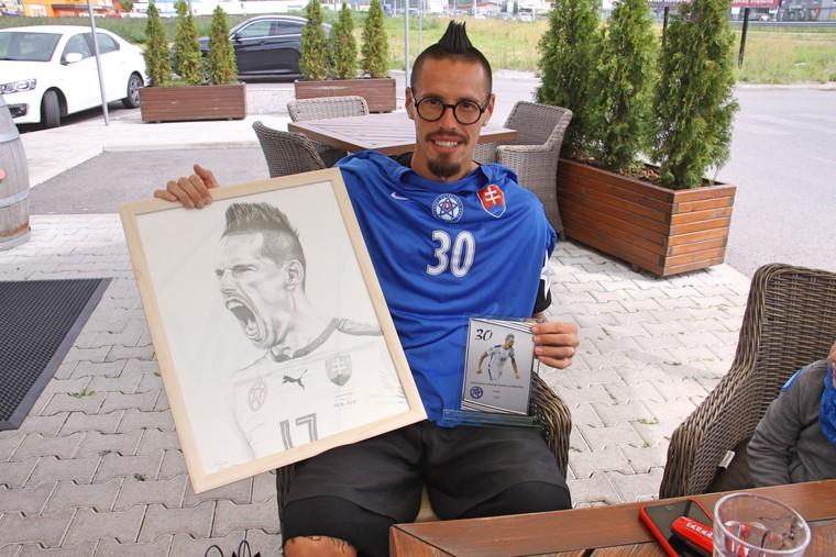 dd0b817e0 Reč je o jednej z najväčších hviezd slovenskej reprezentácie Marekovi  Hamšíkovi, ktorý dnes 27. júla oslavuje tridsať rokov. Narodeniny si užije  doma ...