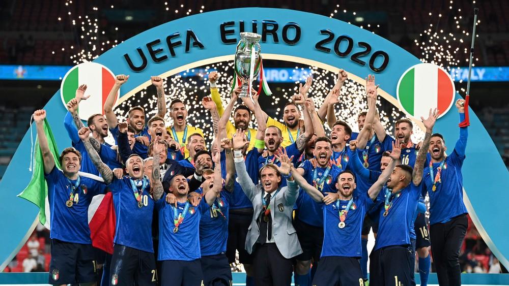 Historické penalty. Taliani zdolali Angličanov, EURO vyhrali po vyše polstoročí