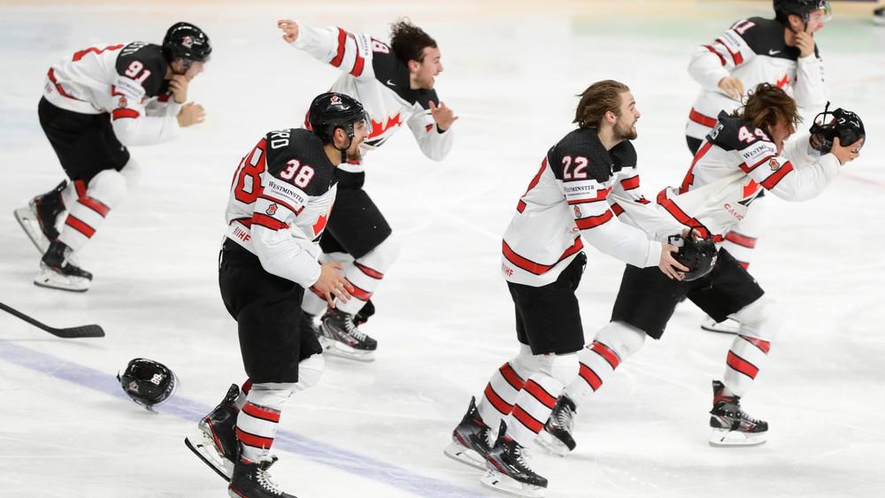 Po úvodných zápasoch im nikto neveril. Kanaďania zdolali Fínov a sú majstri sveta