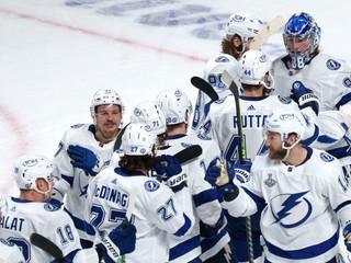 Stane sa to prvý raz v histórii. Hráči NHL budú nosiť reklamy na dresoch