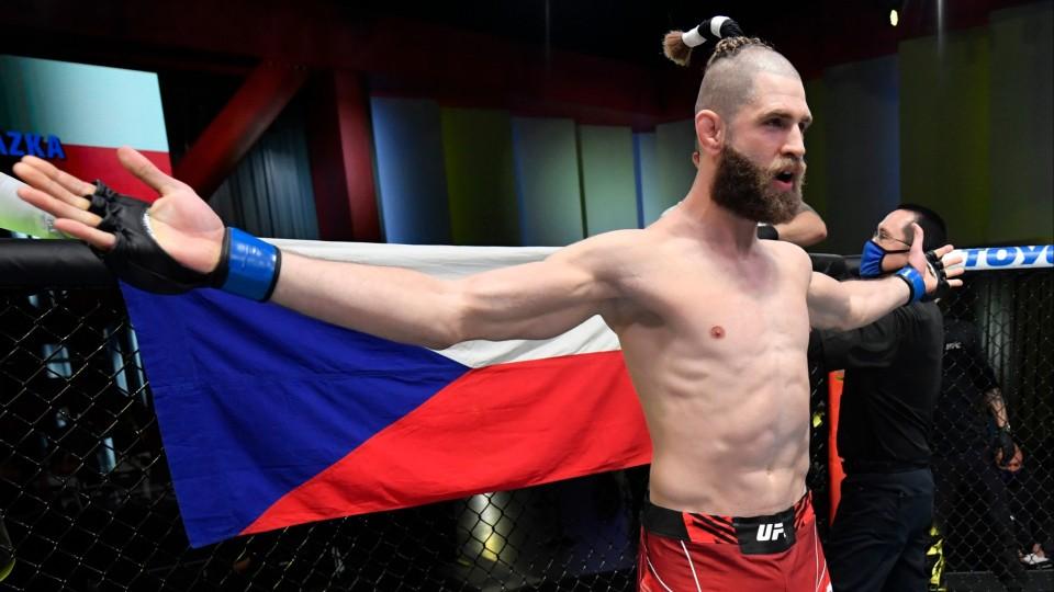 Týždeň V klietke: Prvý šampión UFC z Česka? Procházka je veľmi blízko