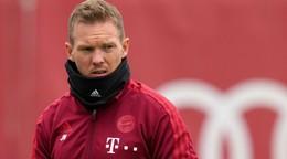 Tréner Bayernu letí do Mníchova oddelene. Mal pozitívny test na koronavírus