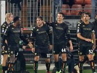 Benátky druhýkrát v sezóne vyhrali, súper dostal červenú kartu