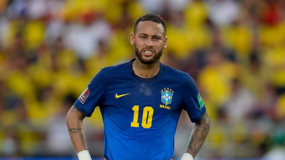 Neymar uvažuje o konci v reprezentácii. Je naňho veľký tlak, vravia spoluhráči