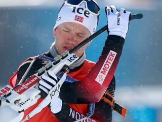 Stíhacie preteky ovládli nórski bratia, Bartko nenadviazal na výkon zo šprintu