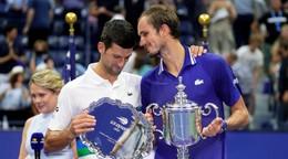 Ťahákmi budú Djokovič či Medvedev. Kto bude hrať finále Davisovho pohára?