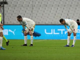 Zápas v Marseille museli zrušiť, fanúšikovia obsadili priestory klubu