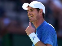Murray vyhral zápas s tromi tajbrejkmi, Paire dostal kanára od Švajčiara