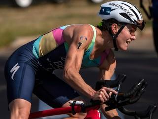 Nór ako prvý vyhral MS a OH v jednom roku, ženský triatlon ovládla Bermuďanka Duffyová