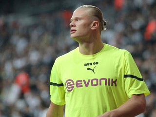 Kde je logo? Fanúšikov Dortmundu nahnevali dresy, výrobca sa ospravedlňoval
