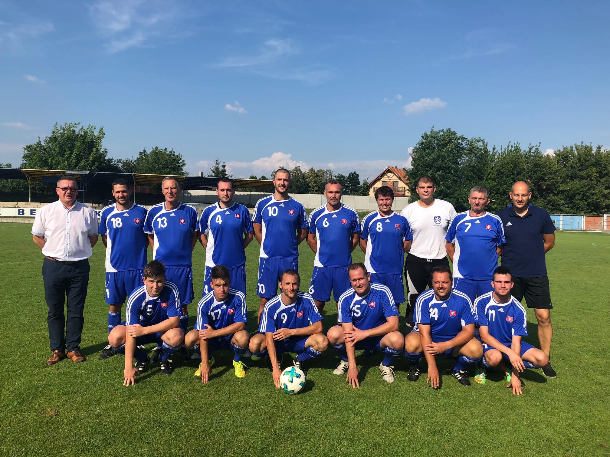 Rozhodcovia BFZ ukázali svoje futbalové umenie proti OLD – BOYS Bernolákovo