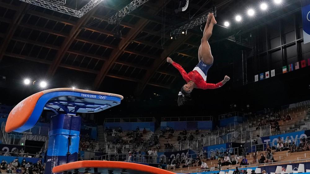 Nočná mora všetkých gymnastov. Prečo odstúpila Simone Bilesová?