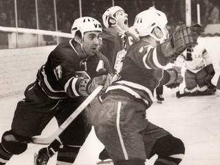 Najskôr lietali iskry, potom kamene. Pamätáte si hokejové bitky proti Sovietom?