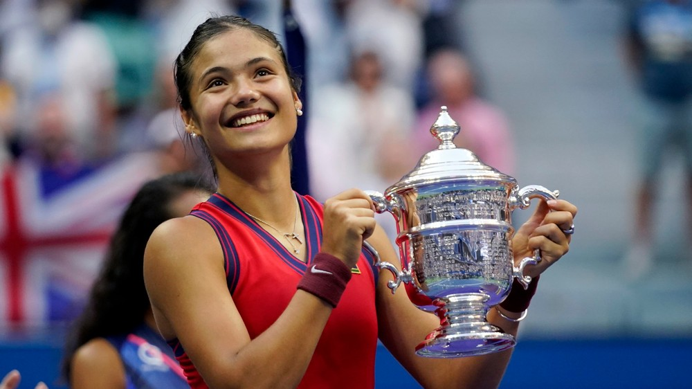 V 10 zápasoch nestratila ani set. 18-ročná Raducanuová vyhrala US Open