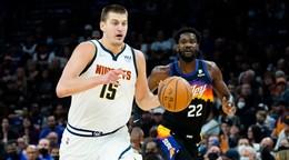 Finalista NBA prehral prvý zápas sezóny, NY Knicks hral s Bostonom dve predĺženia
