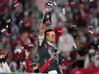 Hneď po príchode získal titul. Hviezdny Brady predĺžil zmluvu s Buccaneers