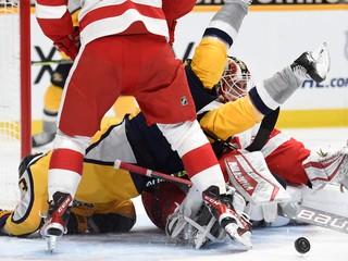Sporne vylúčil hráča a nadával. Rozhodca v NHL skončil