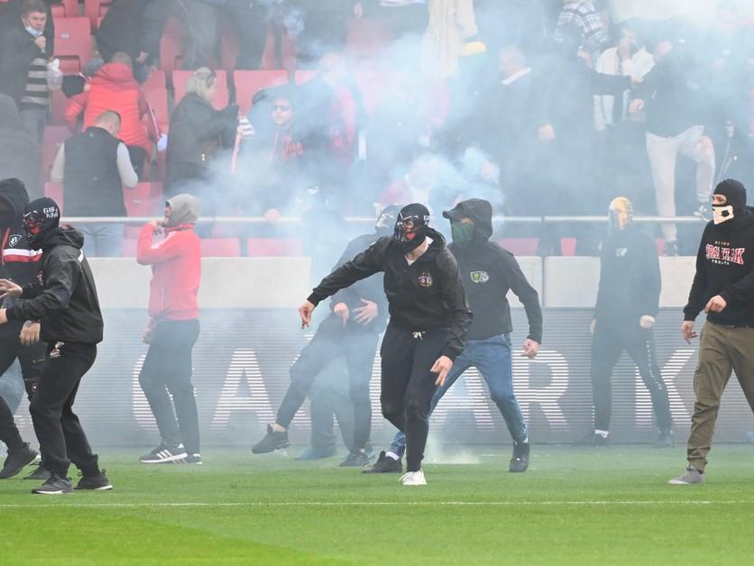 Zákaz divákov aj pokuty, Spartak a Slovan po derby poznajú tresty