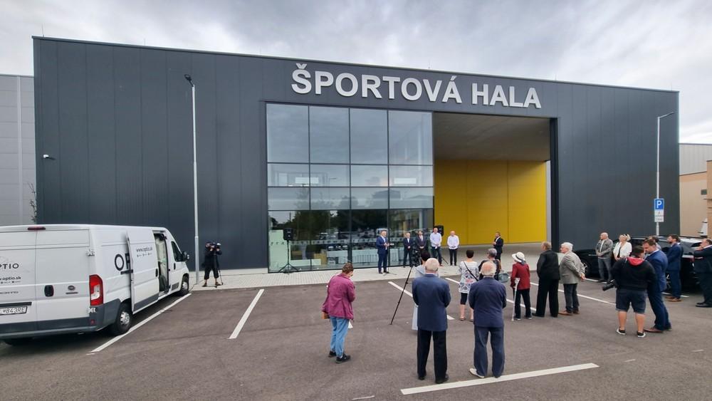 Pomoc k záchrane športu na Slovensku. V Bratislave otvorili novú modernú halu