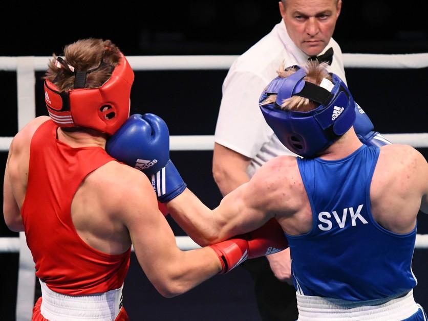 Fernéza prehral na MS v boxe, v akcii budú v stredu ešte dvaja Slováci