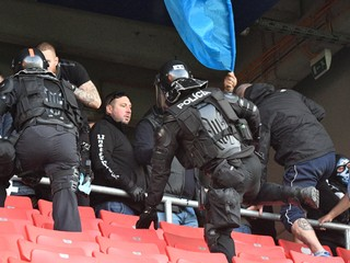 Polícia viní usporiadateľa, voči chuligánom začala trestné stíhanie