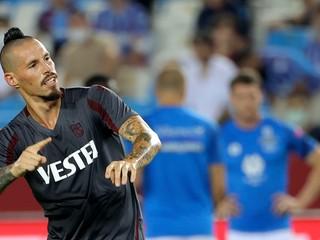 Hamšíkov Trabzonspor zažíva vydarený štart. Hráčov však trápilo veľké teplo
