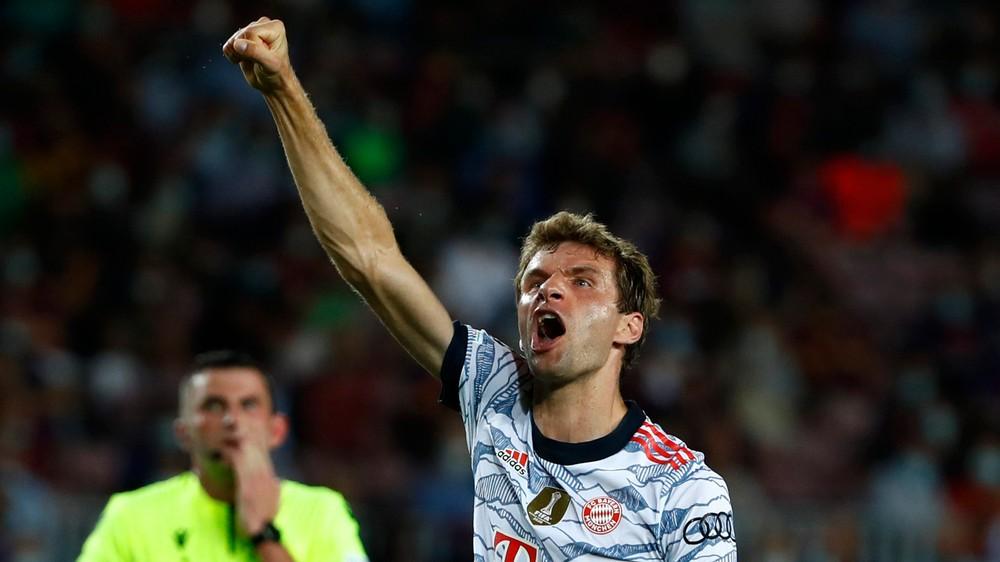 Bayern zdolal Barcelonu rozdielom triedy, obhajcov z Chelsea spasil Lukaku