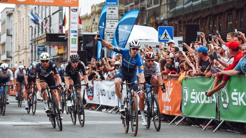 Sagan bojoval o triumf, v Košiciach ho zdolal iba Hodeg