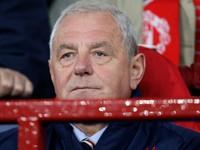 Bol aj asistent Sira Alexa Fergusona. Zomrel bývalý tréner Škótska Walter Smith
