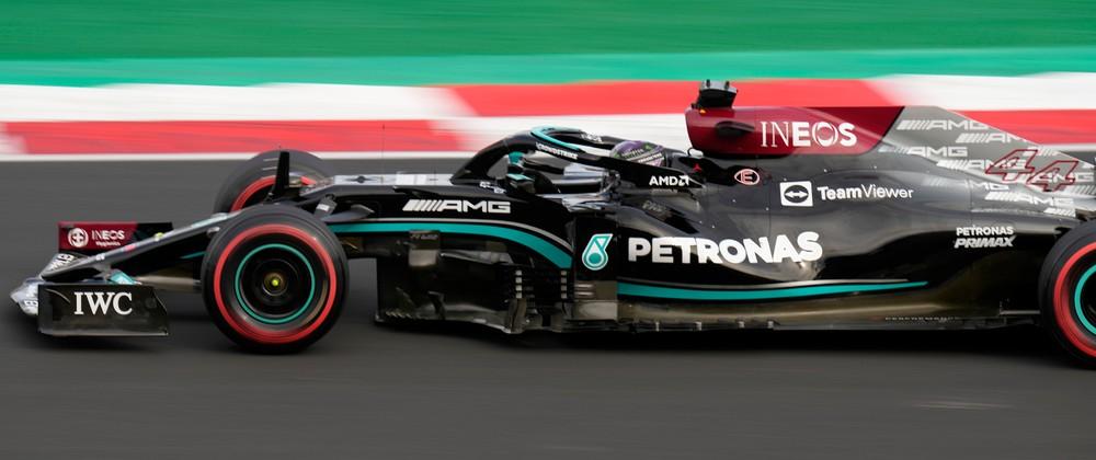 Hamilton minimalizoval straty, v kvalifikácii zaujal Schumacher thumbnail