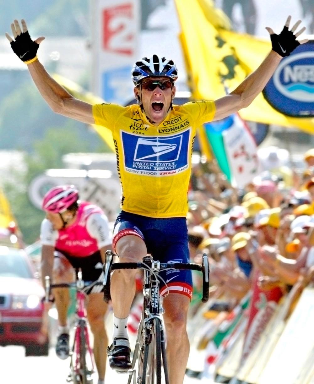 Kto sa Armstrongovi postavil, toho sa snažil zničiť