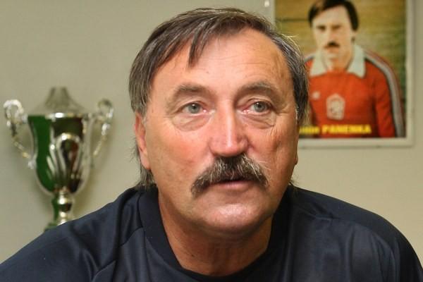 Panenka prekonal covid a žije futbalom. Aké dáva Slovákom šance na Euro?