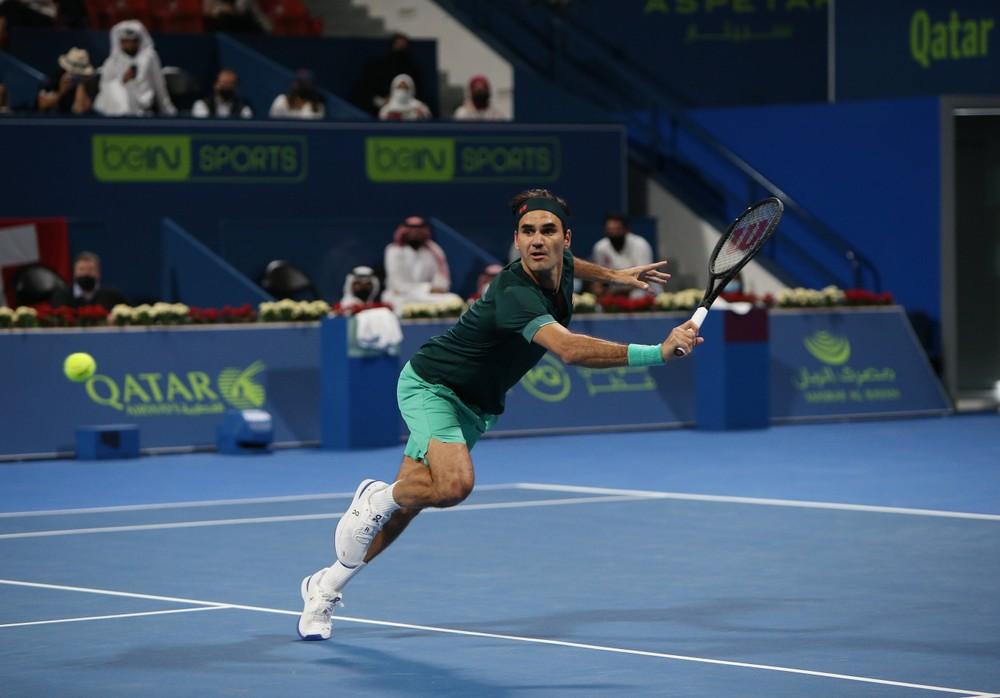 Federer sa po 405 dňoch vrátil. So súperom odohral asi 20 setov
