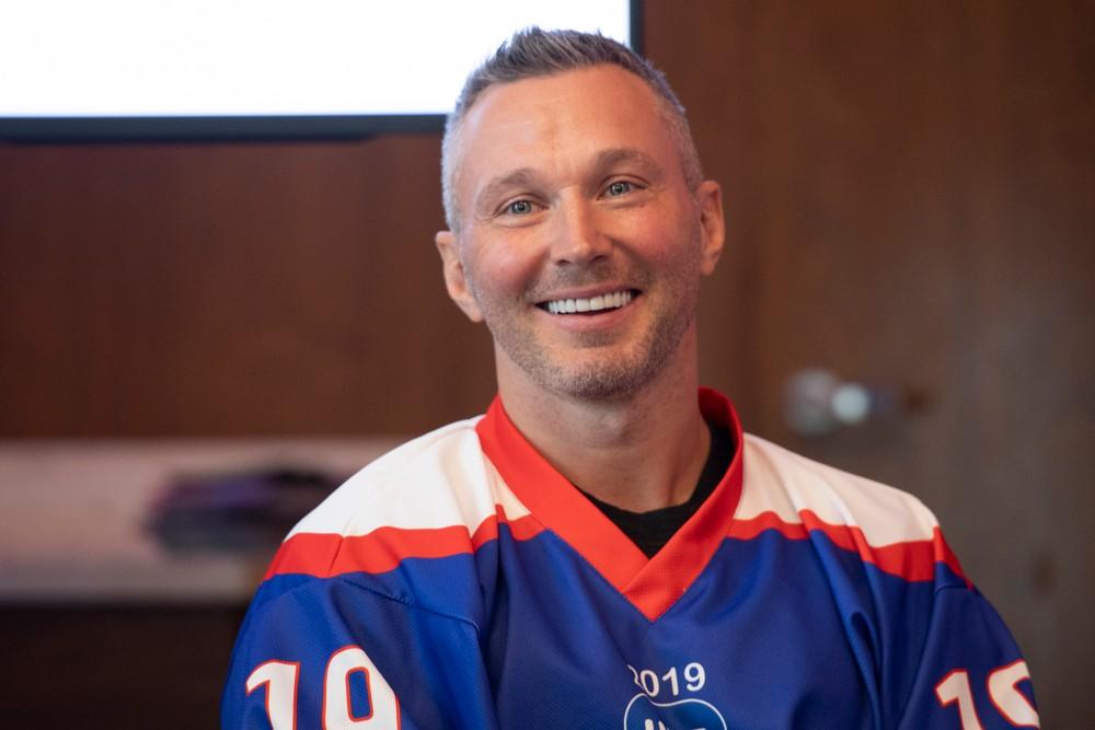 Neskutočné príhody s Pálffym, drogy v NHL. Višňovský hovoril Z voleja