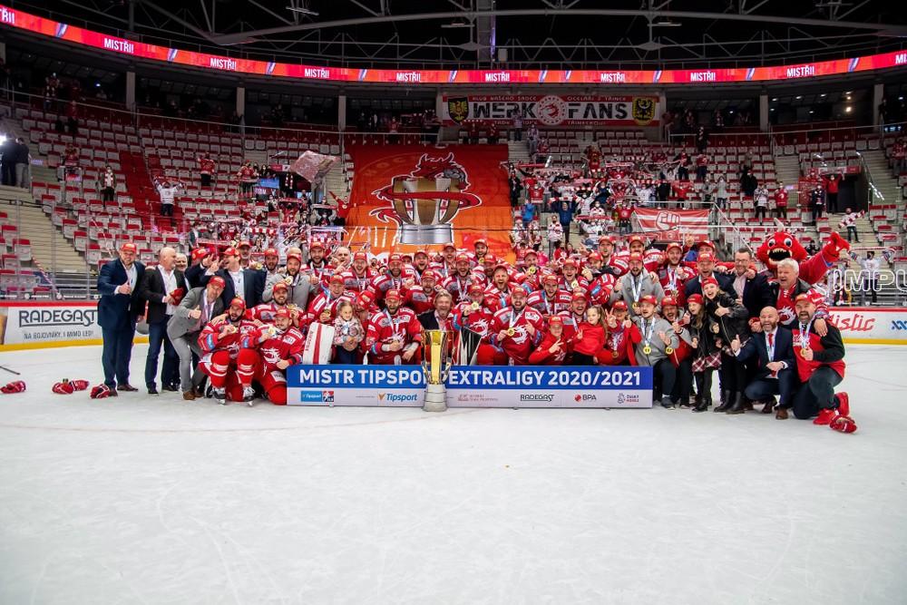 Piati Slováci sa tešia z českého titulu. Tréner vyzdvihol charakter hráčov