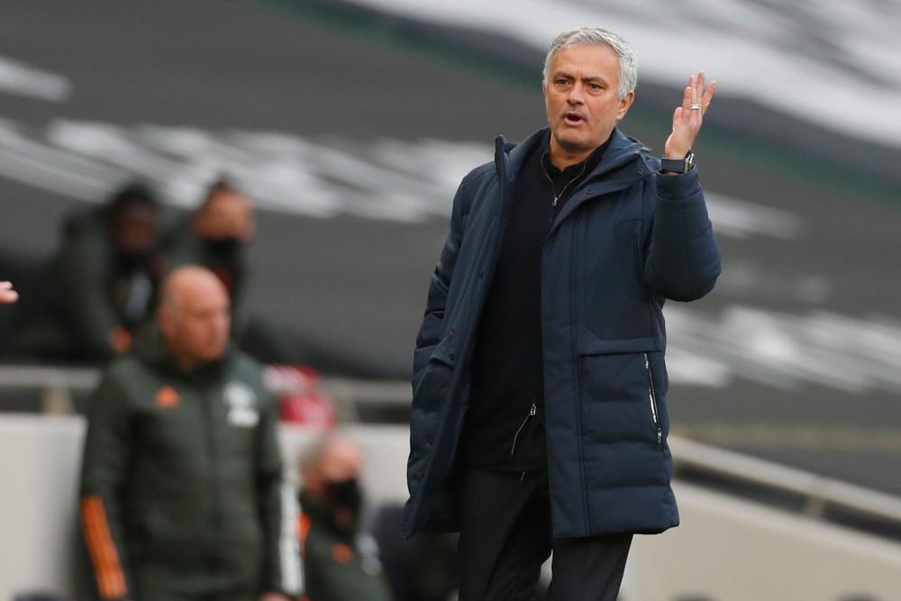 Mourinho ako tréner Tottenhamu končí. Klub má dočasného náhradníka