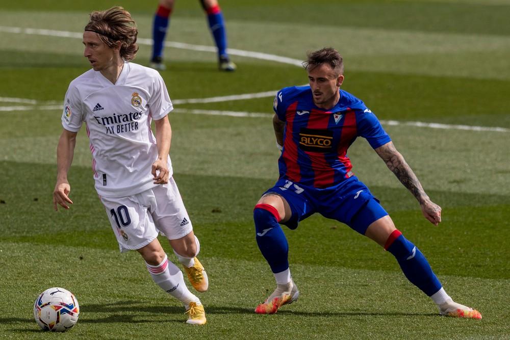 Real doma nezaváhal, Moreno hetrikom zostrelil Granadu