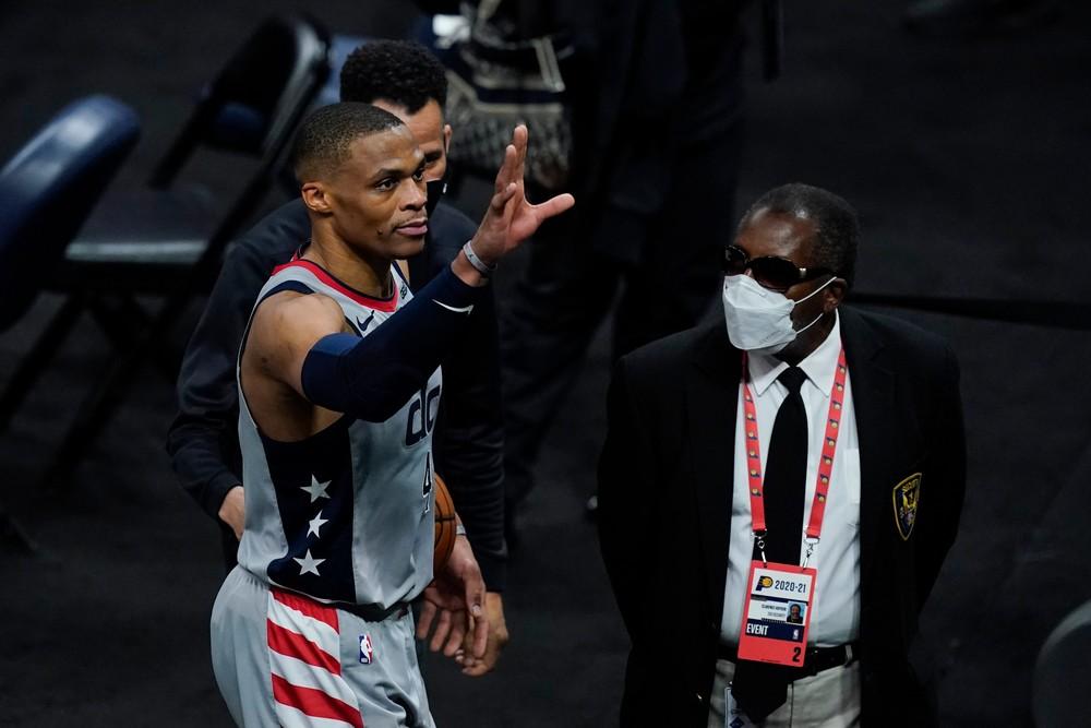Môže byť najlepší v histórii. Westbrook vyrovnal ligový rekord NBA