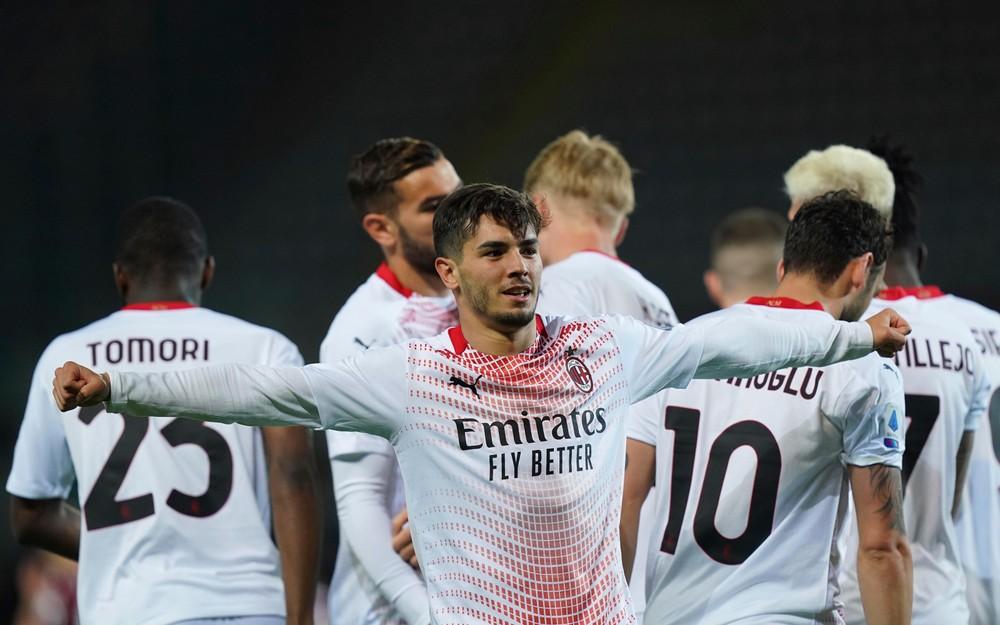 AC Miláno deklasovalo súpera, Haraslín proti Ronaldovi nehral